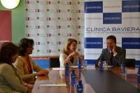 Mesa firma de acuerdo Clínica Baviera y CEU