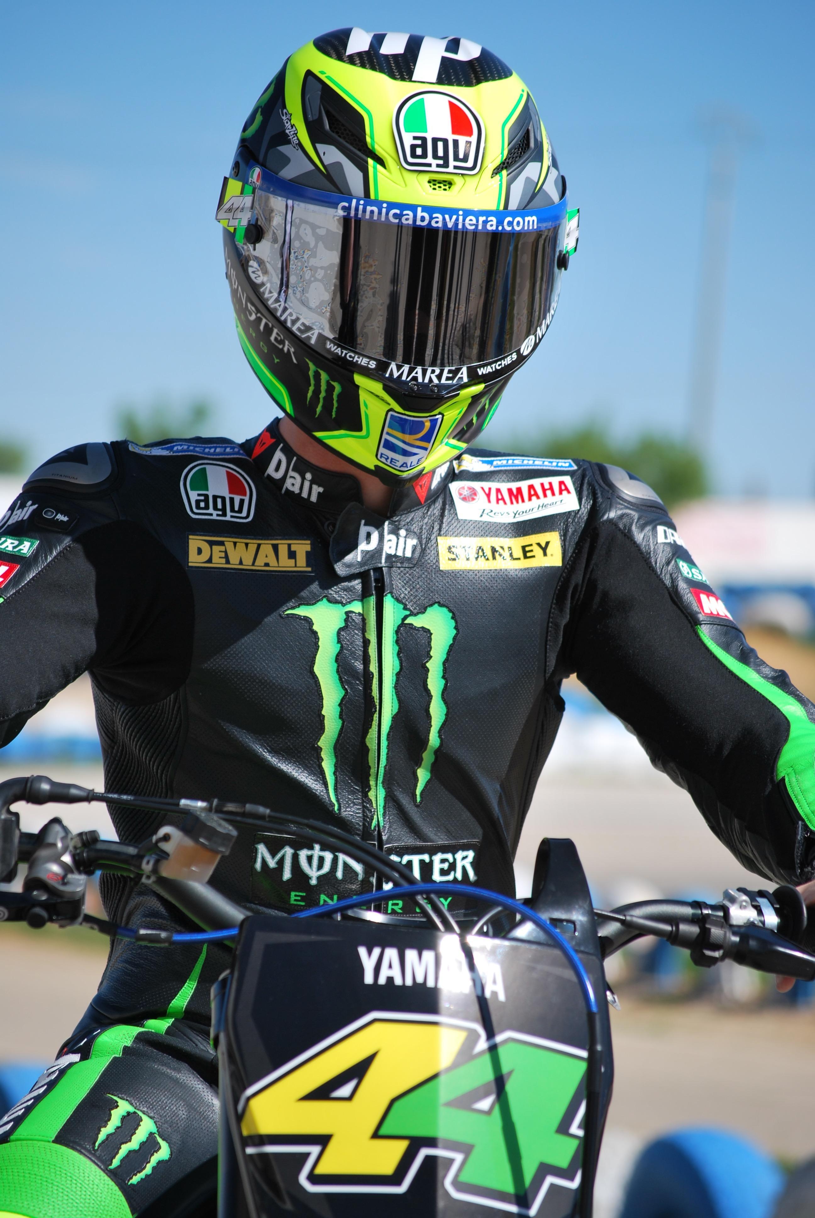 Pol Espargaró sobre moto decorada en verde