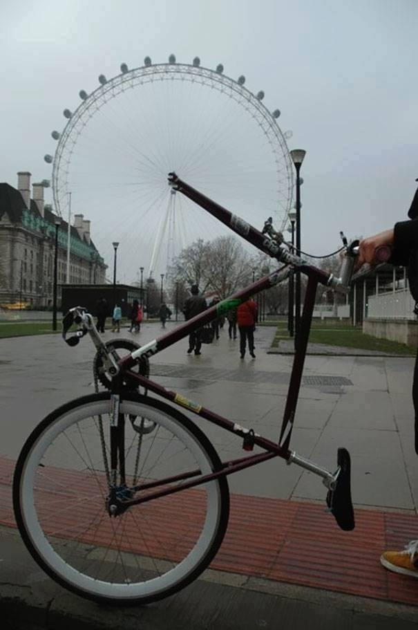 Ilusión óptica bicicleta y noria