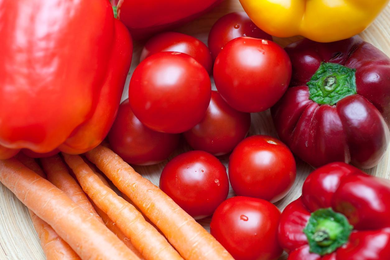 Pimientos, tomates y zanahorias