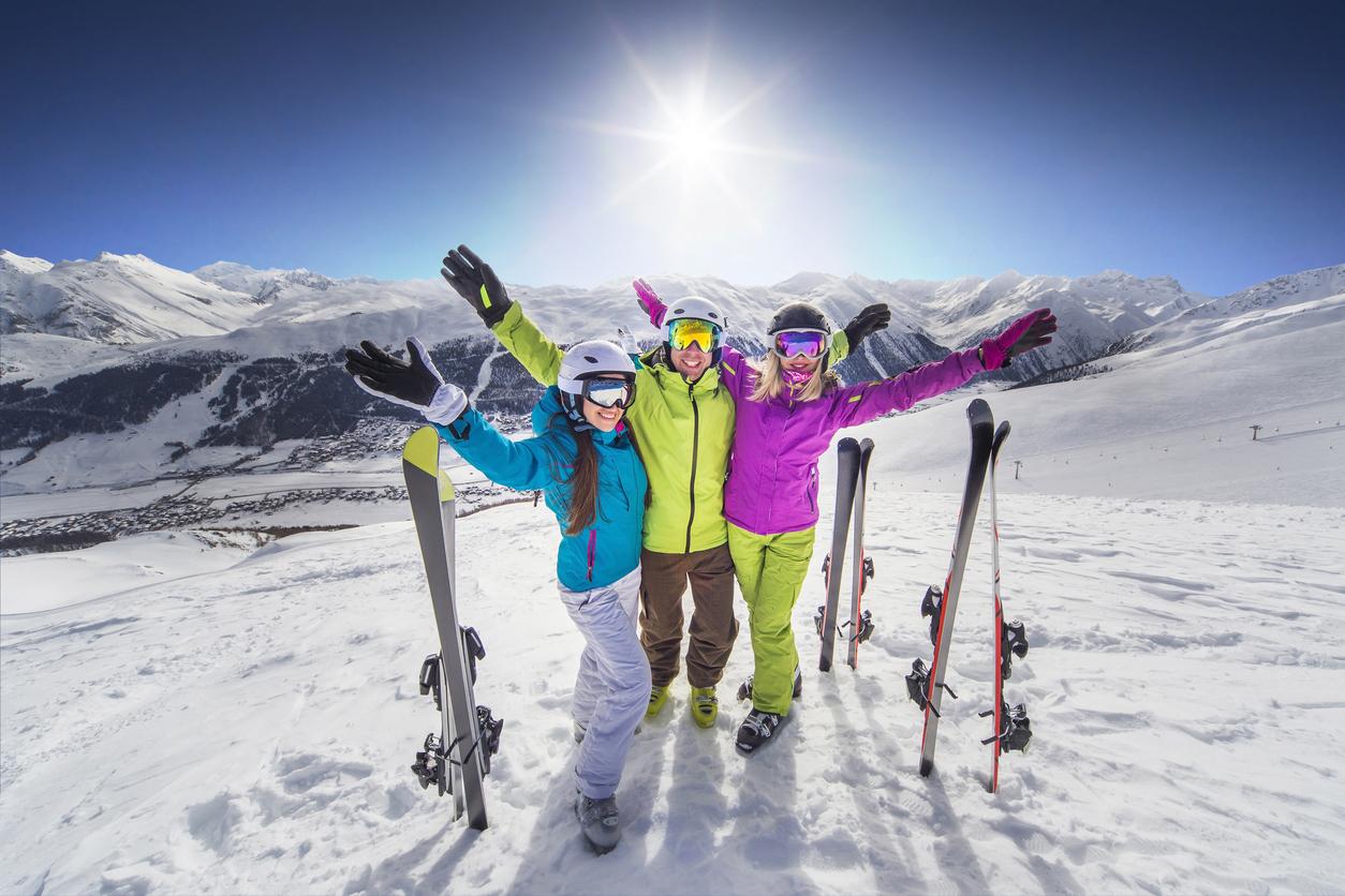 Grupo de amigos en la nieve