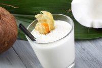 Vaso de batido de coco