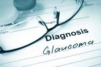 Gafas sobre papel diagnosis glaucoma