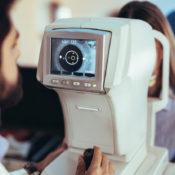 Vuelve la miopía después de operarse: ¿puede ocurrir?