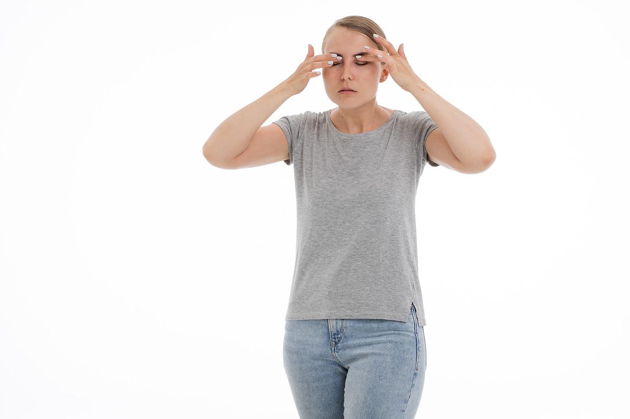 la infección sinusal puede causar dolor en los oídos y los ojos