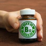 Exceso de vitamina B12: cómo afecta al organismo y a la vista