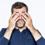 Telarañas en los ojos: causas, síntomas y tratamiento