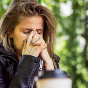 Alergia en los párpados: síntomas y tratamientos