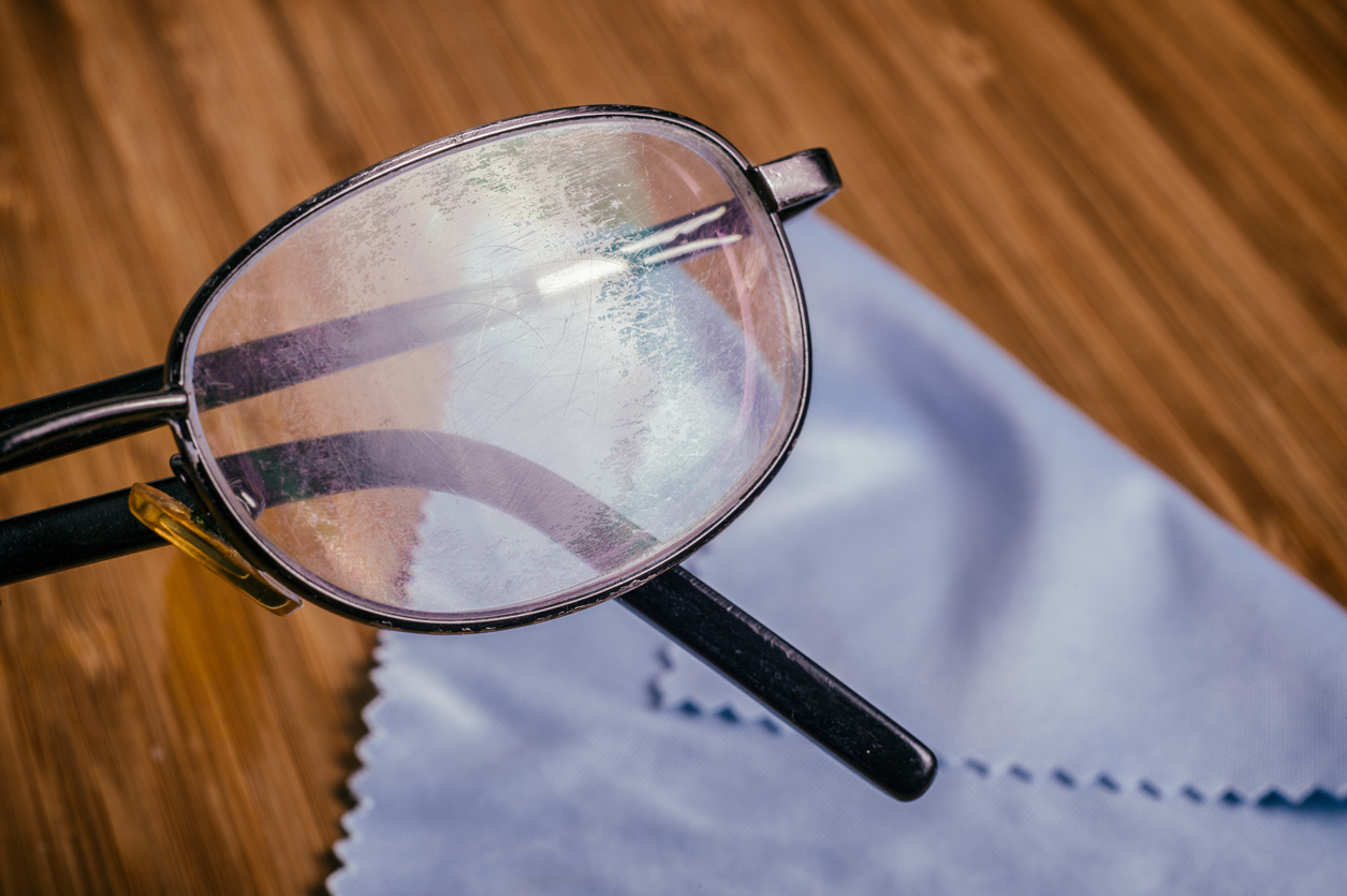 Cómo Quitar Los Rayones De Las Gafas Esta Es La Técnica Correcta