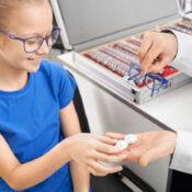 Lentillas para niños: ¿para qué se usan?