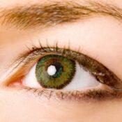 Cómo tratar un problema de ojos hundidos
